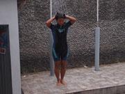 外付けの水シャワー