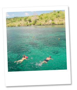 レンボガン島の海