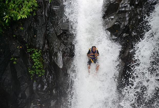 滝スライダー