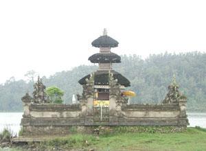 ウルンダヌブラタン寺院5