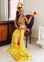 バリ島スパ バリラトゥ 伝統舞踊コスチューム2