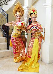 バリ島スパ バリラトゥ 伝統舞踊コスチューム1