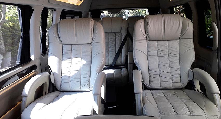 贅沢で広々とした車内となっています