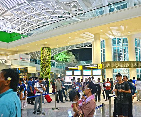 バリ島厳選 入国管理の列に並ばなくても良いサービス