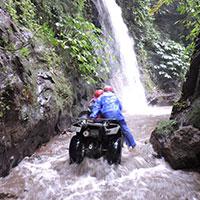 トキメキバリ島観光 KUBER BALI ATVライド 滝