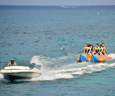 みんなで一緒に楽しめるバナナボート