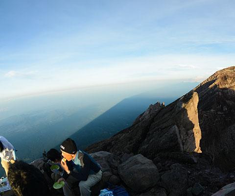 バリ・ヒンドゥー教にとって大切な山、アグン山