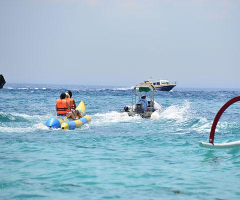 バナナボートなどのマリンスポーツも楽しめます