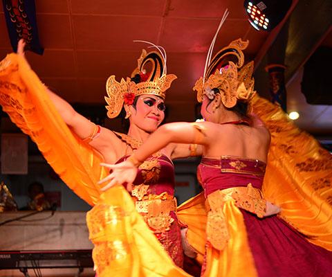 艶やかで美しいトラディショナルダンス