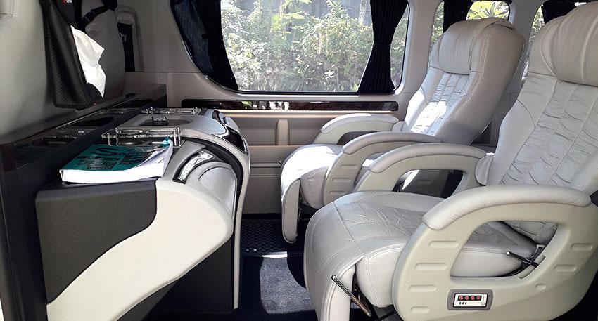 マッサージ機能付きのシートが2席あります