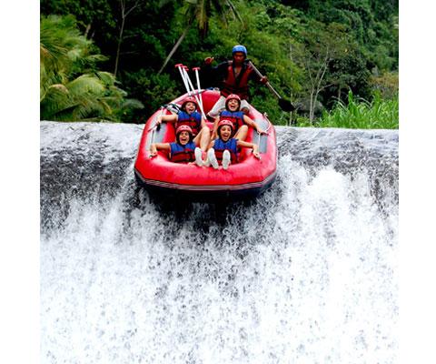 絶景と川の流れを楽しみましょう