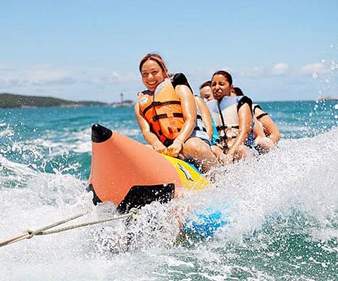 定番人気のマリンスポーツ・バナナボート