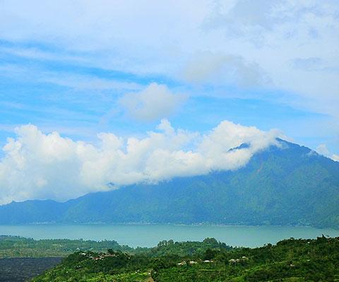 バリ島随一の景勝地として有名なキンタマーニ高原