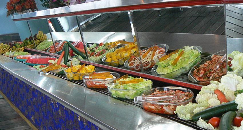 サラダやインドネシア料理などもあります