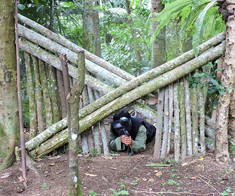 バリ島でサバイバルゲーム